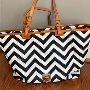 Dooney and Bourke tote bag
